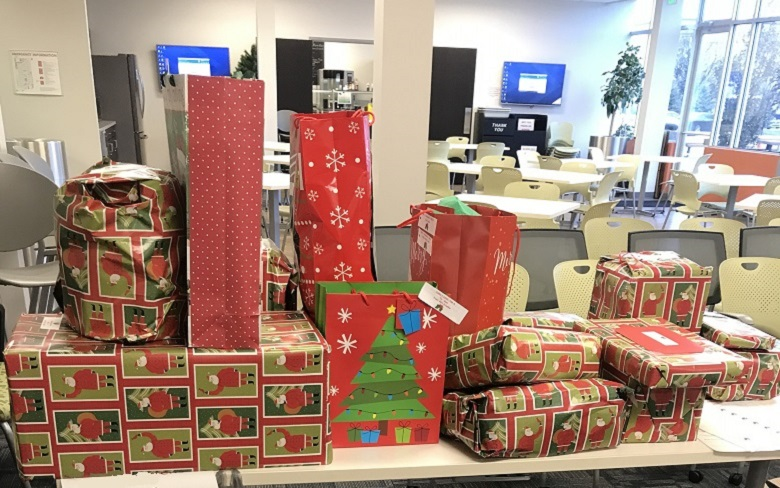 GKN Driveline Auburn Hills people adopt families in need