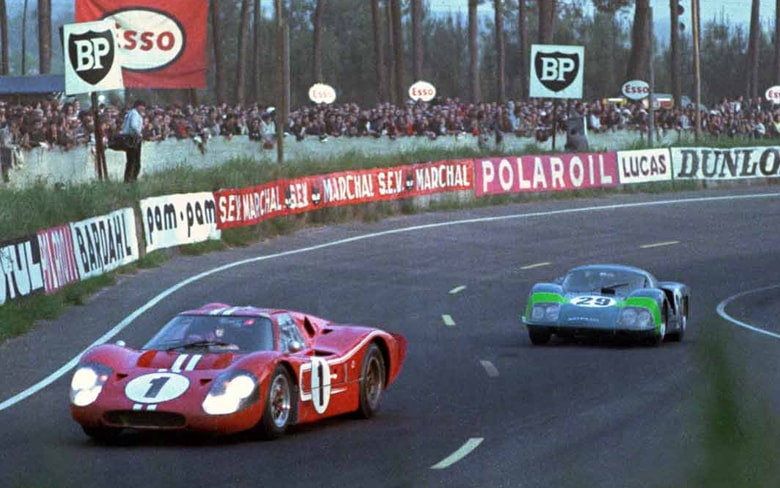 The iconic Ford GT40 Mk IV. In action on the Circuit de la Sarthe